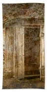 Vintage Looking Old Outhouse In The Great Smokey Mountains Beach Towel