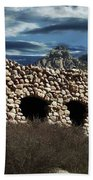 La Luz Rock House Beach Towel