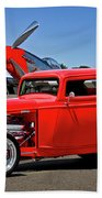 1932 Ford 'three Window' Coupe Vx Beach Towel