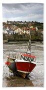 Staithes, North Yorkshire, England Beach Towel