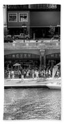 Chicago Parked On The River Walk Panorama 02 Bw Beach Towel