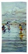 Clamdigging Family Beach Towel