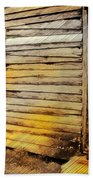 Do-00040 Old House Front Beach Towel