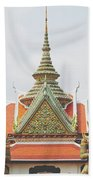 Exquisite Details On The Building Of Wat Arun In Bangkok, Thailand Beach Towel