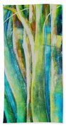 Floresta Verde  Beach Towel