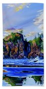 Glorious Point Of The Arches Beach Towel