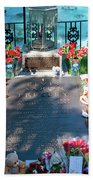 Grave Site At Graceland The Home Of Elvis Presley, Memphis, Tennessee Beach Towel