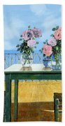 Le Rose E Il Balcone Beach Towel