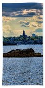 Marblehead Points To The Ocean Beach Towel