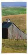 Old Palouse Barn Beach Towel