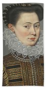 Portrait Of A Lady Head And Shoulders In A Lace Ruff Beach Towel