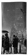 Rockefeller Center Christmas Tree Black And White Beach Towel
