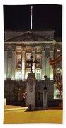 Statues View Of Buckingham Palace Beach Sheet