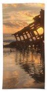 Sun Setting Behind Peter Iredale 0089 Beach Sheet