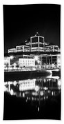 The River Liffey Reflections 2 Bw Beach Towel
