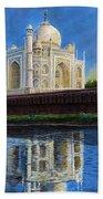The Taj Mahal Shrine Of Beauty Beach Towel