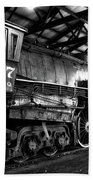 Trains 3007 C B Q Steam Engine Bw Beach Towel