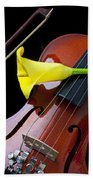 Violin With Yellow Calla Lily Beach Towel