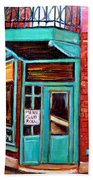 Wilenskys Cafe On Fairmount In Montreal Beach Towel