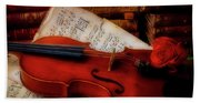 Red Rose And Violin With Sheet Music Beach Towel