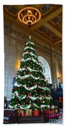 Union Station Decorates For Christmas In Kansas City Beach Towel