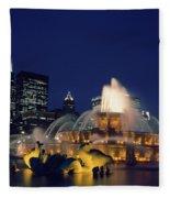Evening At Buckingham Fountain - Chicago Fleece Blanket