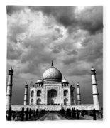 Taj Mahal India In Black And White Fleece Blanket