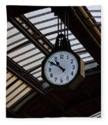 10 To 11.  Milan Railwaystation Fleece Blanket