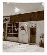 Route 66 - Rusty Mobil Station Fleece Blanket