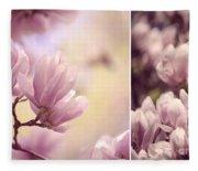 Magnolia Flowers Fleece Blanket