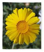 Crown Daisy Flower Fleece Blanket