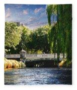Avlon River Fleece Blanket