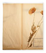 Beautiful Dried Vintage Flowers Fleece Blanket