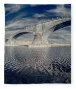Bridge Curvature In Color Fleece Blanket
