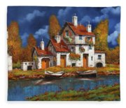 Case Bianche Sul Fiume Fleece Blanket