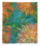Chrysanthemum Shift Fleece Blanket
