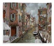 colazione a Venezia Fleece Blanket