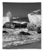 Crashing Waves Bw Fleece Blanket