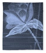 Cyan Negative Wood Flower Fleece Blanket