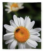 Daisy Bee Nice Fleece Blanket