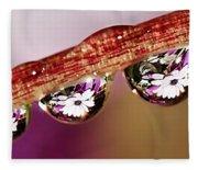 Daisy Droplets Fleece Blanket