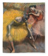 Deux Danseuses Jaunes Et Roses Fleece Blanket
