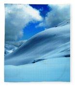 Eye Catcher In Snow Fleece Blanket