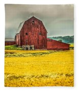 Field And Barn Fleece Blanket