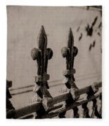Fleur-de-lis - Monochrome Fleece Blanket