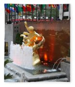 Fountain And Prometheus - Rockefeller Center Fleece Blanket