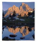 1m9376-grand Teton Reflect 2 Fleece Blanket