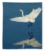 Great Egret Landing Fleece Blanket