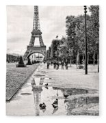 Icon Reflected Bw Fleece Blanket