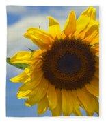Lus Na Greine - Sunflower On Blue Sky Fleece Blanket